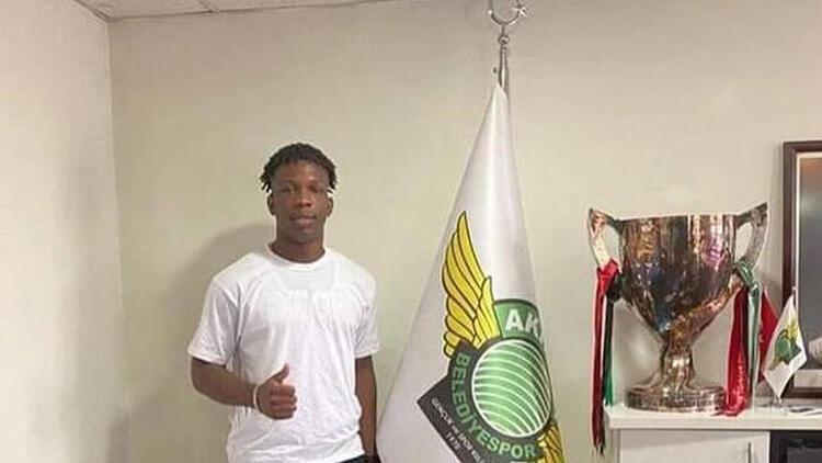Akhisarspor'un şaibeli transferi; Martins Chisom Onyebueke! Futbolcu olmadığı ortaya çıktı