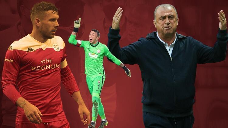 Antalyaspor-Galatasaray maçında Podolski'nin hareketi sonrası büyük tepki! Mücadeleye damga vuran diyaloglar...