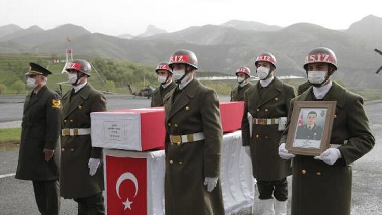 Şehit Teğmen Mehmet Kıvık, törenle memleketine uğurlandı