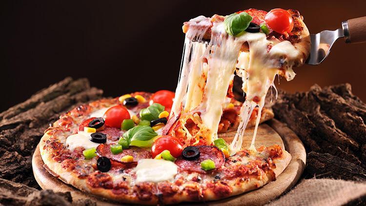 Pizzanın hamuru kalın mı olmalı ince mi?