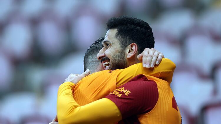 Emre Akbaba bunu ikinci defa yaptı! Galatasaray pes etmiyor...