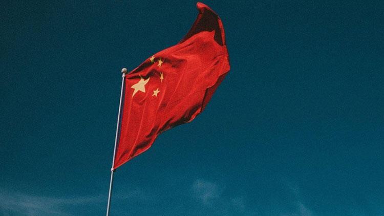 Çin Büyükelçiliği, ABD'yi 'Müslüman ülkelere ölüm götüren' şeklinde tasvir eden paylaşımını geri aldı