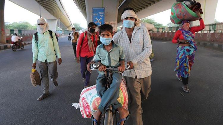 Hindistan'da Kovid-19 ölümlerinde rekor kırıldı