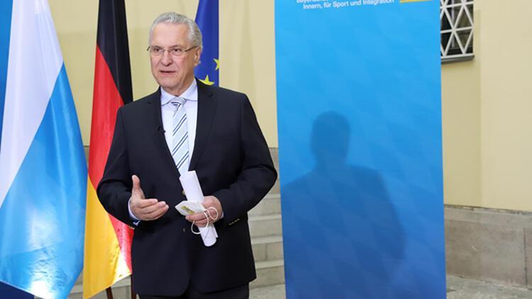 Bakanın göçmenlere 'Aşı olun' çağrısı tartışma yarattı