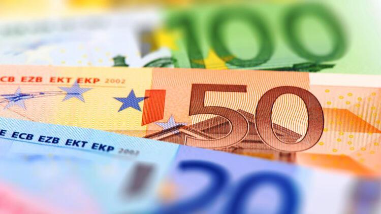 Eksi faizden kaçan paralar Türk bankalarında