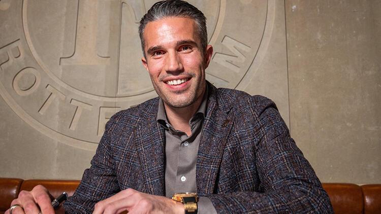 Robin van Persie teknik direktör oldu! Feyenoord'da oğlunun takımını çalıştıracak