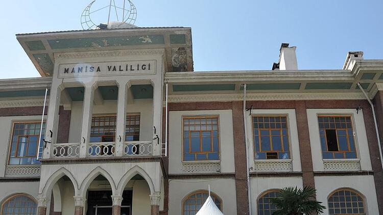 Manisa Valiliği, destek almadığı iddiasıyla çay kazanını atan esnafa 5 bin 100 lira ödendiğini açıkladı
