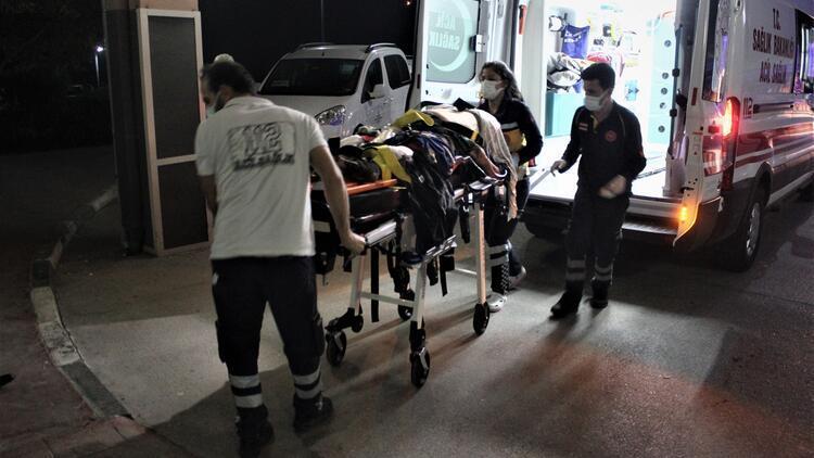 Tarım işçilerini taşıyan minibüs otoyoldaki tünelde takla attı: 16 yaralı