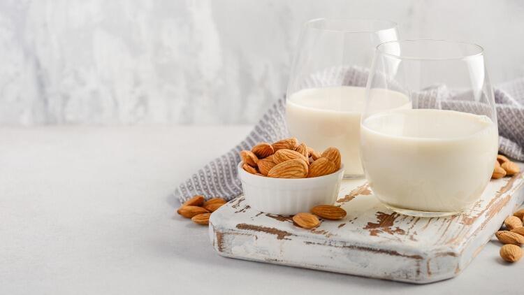 Badem sütü nasıl yapılır? Evde kolay badem sütü yapmanın püf noktaları