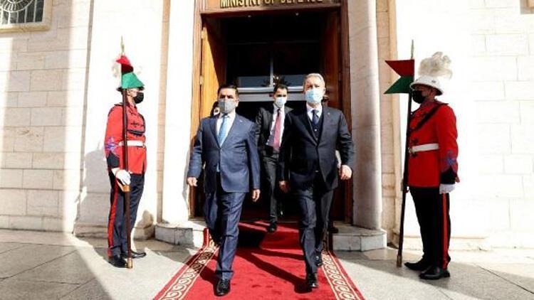 Son dakika... Bakan Akar'dan Irak Savunma Bakanı Anad ile kritik görüşme!