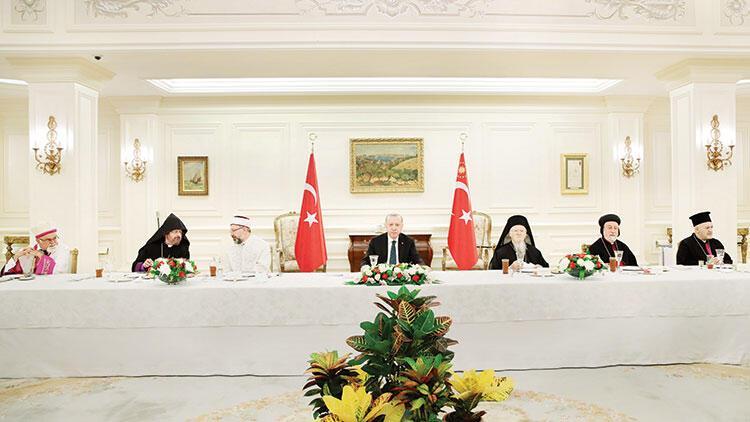 Azınlık temsilcileriyle iftar