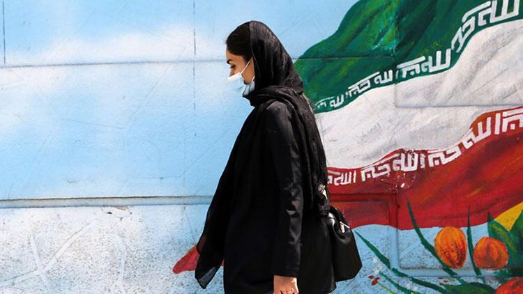 İran'da son 24 saatte Kovid-19'dan 338 kişi hayatını kaybetti