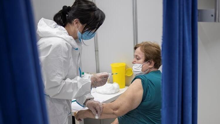 Dünya genelinde 1,21 milyardan fazla doz Kovid-19 aşısı yapıldı