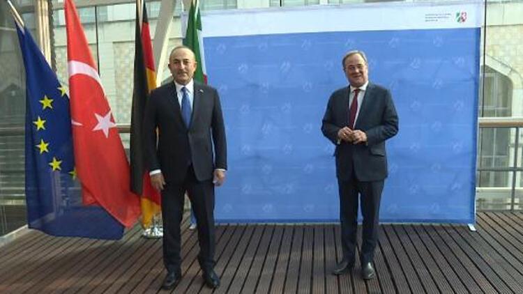 Bakan Çavuşoğlu, Türk Armin ile görüştü