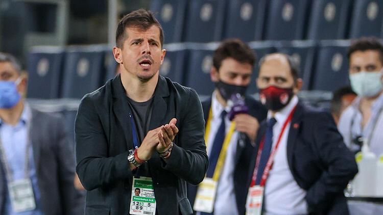 Emre Belözoğlu, Fenerbahçe'de Ali Koç dönemindeki diğer hocaları solladı!
