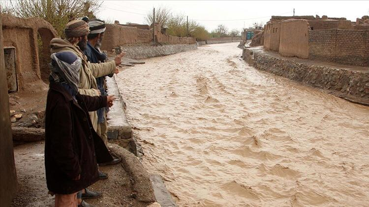 Afganistan'da bilanço ağırlaştı! Sel felaketinde can kaybı 50'ye çıktı