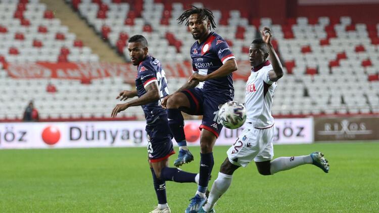 Trabzonspor ile Antalyaspor 50. randevuda! Berat Özdemir ve Vitor Hugo yok...