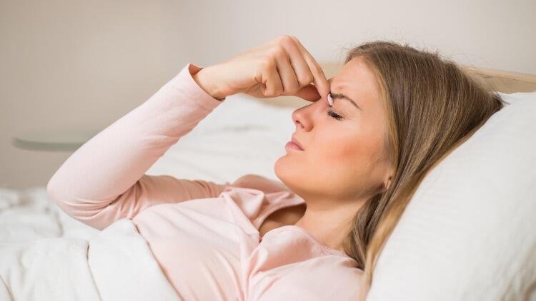 Sinüzit ağrısına ne iyi gelir? Evde sinüzit baş ağrısını geçirmenin doğal yolları