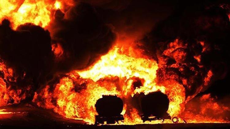 Nijerya'da facia! Otobüste çıkan yangında, 14 kişi öldü