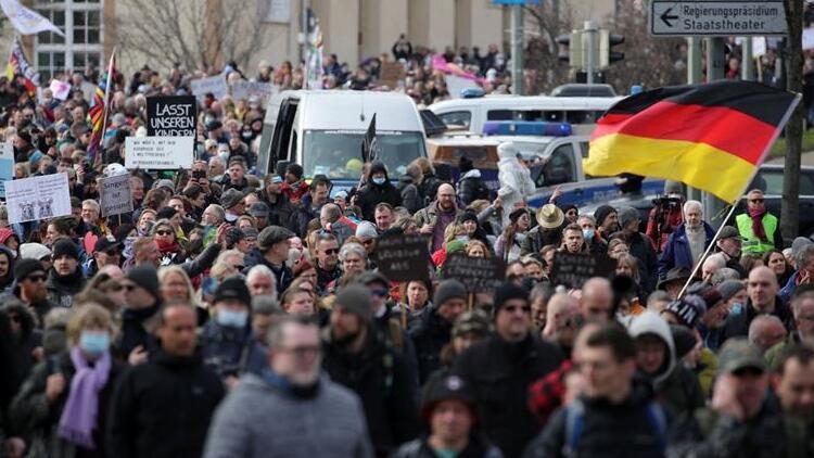 Almanya'da Kovid-19 vaka sayısı 3,5 milyonu geçti