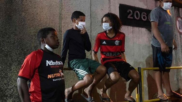 Brezilya'da son 24 saatte 2 bin 165 kişi Kovid-19 nedeniyle hayatını kaybetti