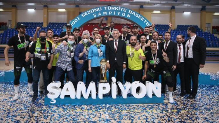 TBL şampiyonu Merkezfendi Belediyesi Denizli Basket kupasına kavuştu