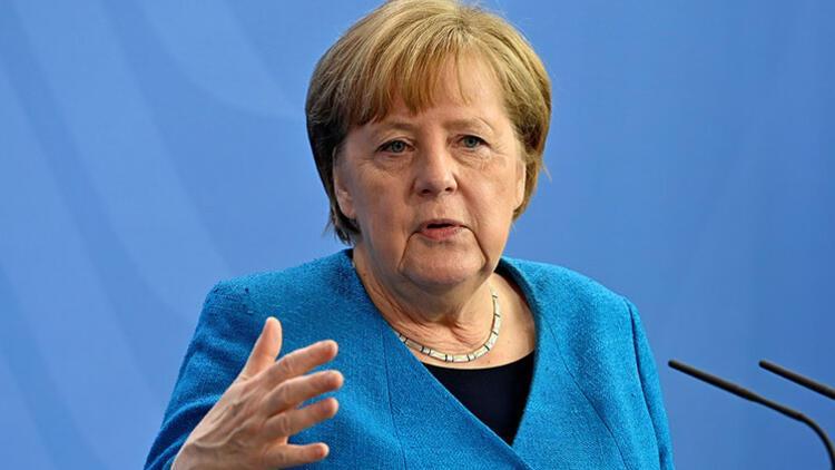 'Almanya'da üçüncü dalgayı kırmış görünüyoruz'