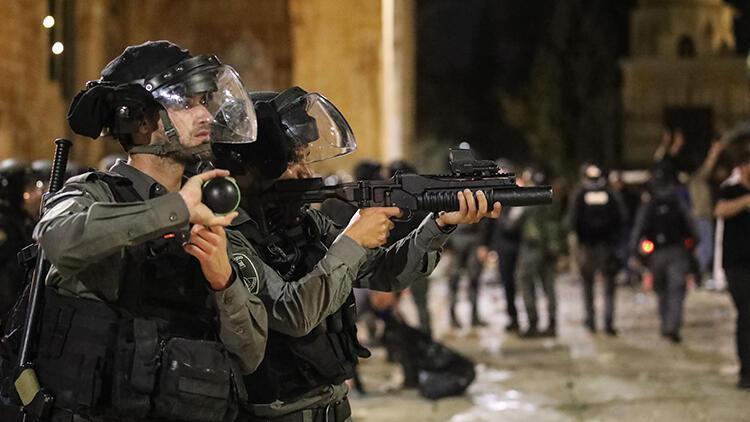 İsrail'in zulmü devam ediyor! Kudüs'e gitmek isteyen yüzlerce Filistinliyi engelledi