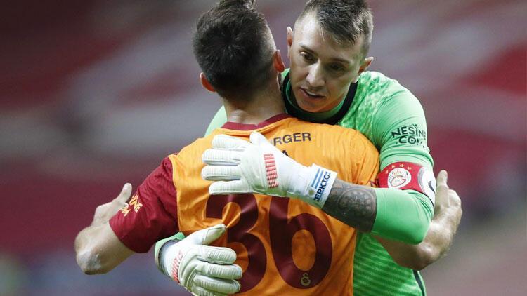 Son dakika: Galatasaray'da Muslera ve Gedson Fernandes'ten Beşiktaş maçı sonrası açıklamalar