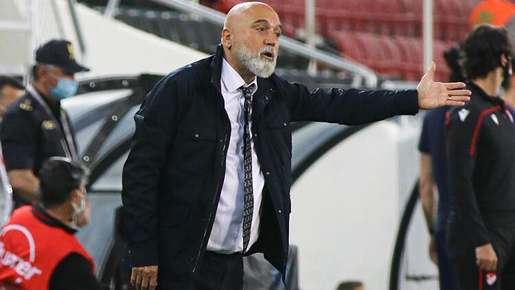 """Fenerbahçe'ye 2-1 yenilen Ankaragücü'nde Hikmet Karaman üzgün! """"İki finali de almalıyız"""""""