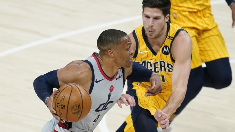 """NBA'de Gecenin Sonuçları: Westbrook, Oscar Robertson'ın """"triple double"""" rekorunu egale etti"""