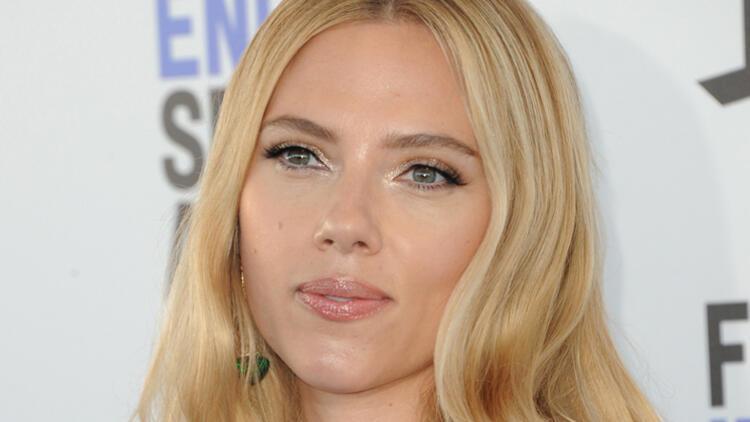 Scarlett Johansson Altın Küre'ye savaş açtı