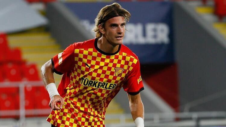 Süper Lig ekibi Göztepe, Atınç Nukan'ın sözleşmesini 3 yıl daha uzattı