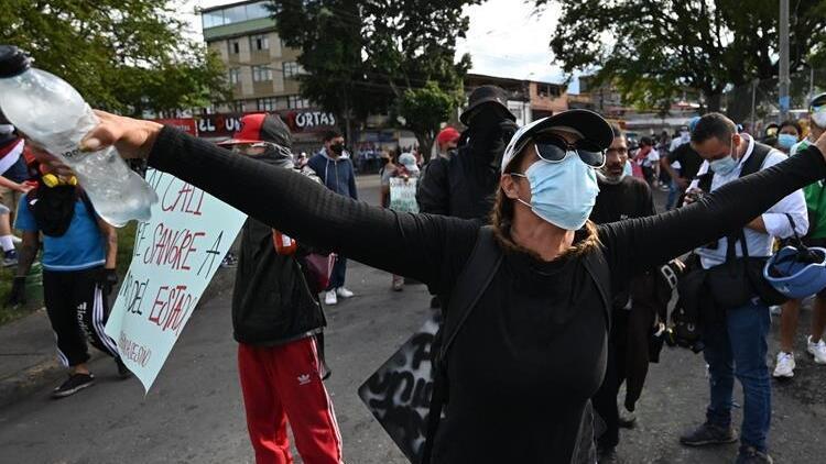 Kolombiya'da hükümet karşıtı protestolarda ölü sayısı 42'ye yükseldi
