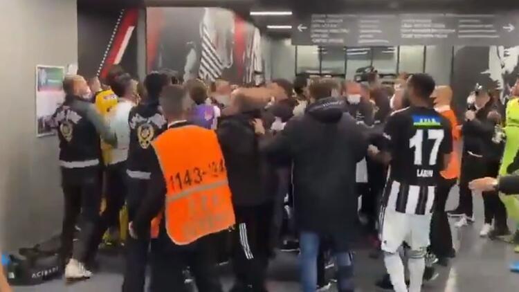 Son dakika: Galatasaray'dan Beşiktaş - Karagümrük açıklaması! Vodafone Park'ta yaşananlar...
