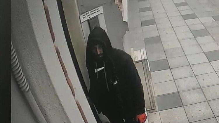 Şişli'de apartman kapılarının topuzları çalan hırsız yakalandı