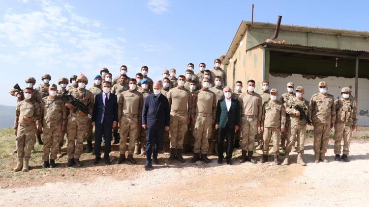Bakan Soylu'dan Gabar'da üs bölgesindeki güvenlik güçlerine ziyaret