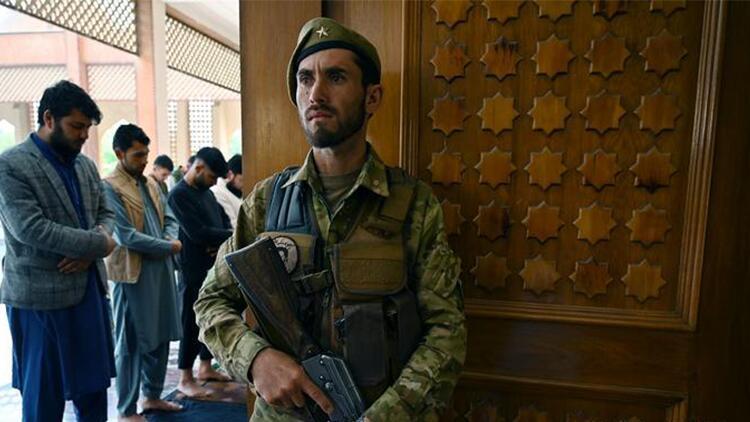 Son dakika... Afganistan'da cuma namazı sırasında patlama: Çok sayıda ölü var!