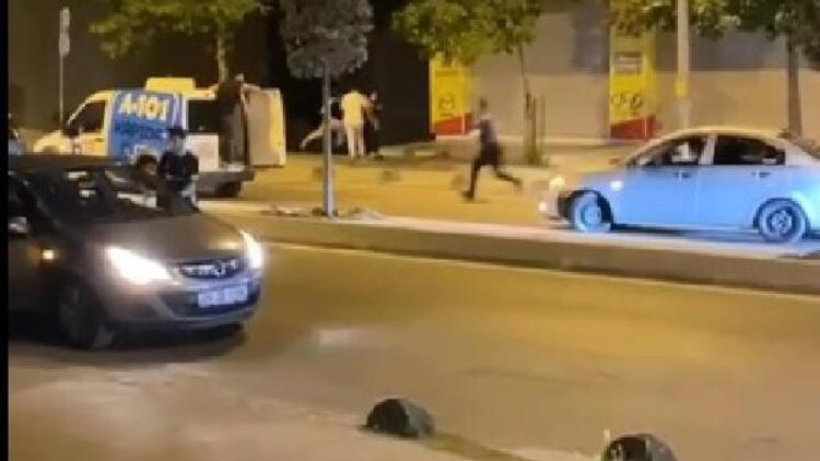 Arnavutköy'de şampiyonluk kutlamalarında polisin üzerine aracını böyle sürdü