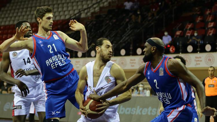 Empera Halı Gaziantep Basketbol: 67 - Anadolu Efes: 83
