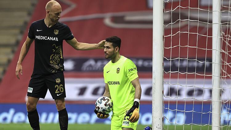 """Galatasaray-Yeni Malatyaspor maçına damga vuran Ertaç Özbir'den flaş sözler! """"Maçı bıraksan..."""""""
