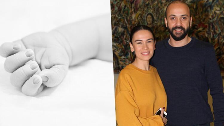 Sarp Akkaya ve Sinem Yalçınkaya'nın bebek sevinci