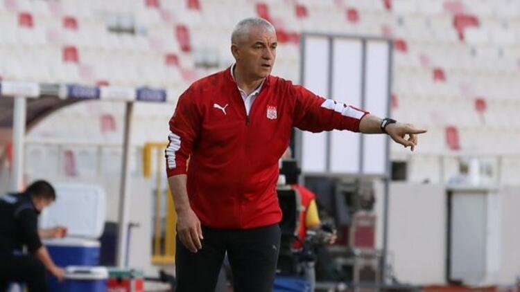 Sivasspor'da Rıza Çalımbay ve 11 futbolcunun sözleşmesi bitiyor