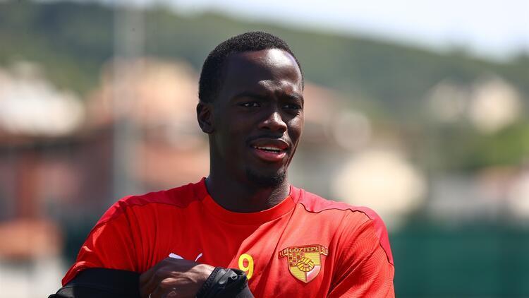 """Göztepeli Cherif Ndiaye: """"Antrenmanlarda ve maçlarda her şeyimi vermeye çalıştım..."""""""