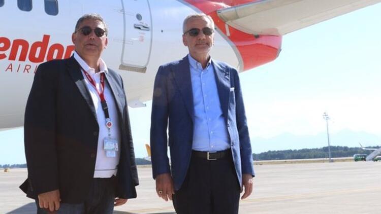 """Antalyaspor kafilesi İzmir'e gitti! """"Kupayı Antalya'ya getireceğimize yürekten inanıyorum..."""""""