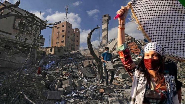 Saldırılar kadar tehlikeli İsrailin resmi yalanlarına ünlü model bile hedef oldu