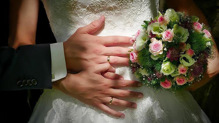 Damat nikahtan kaçtı, gelin konukla evlendi!