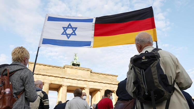 Alman politikacılardan İsrail'e destek mitingi