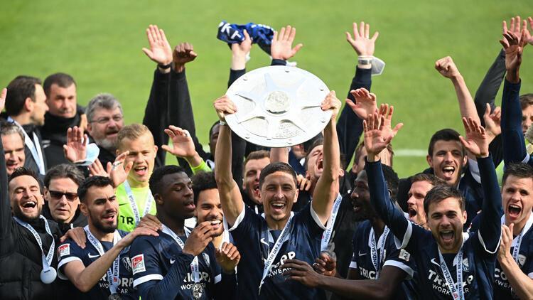 Almanyada Bochum ve Greuther Fürth, Bundesligaya yükseldi