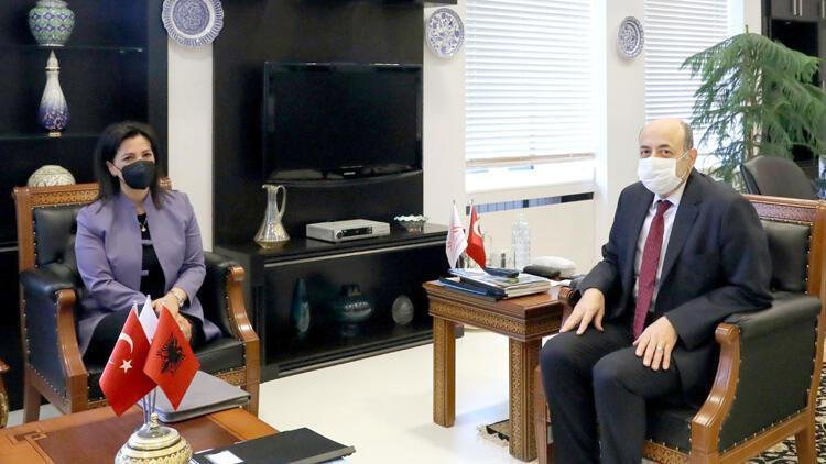 Arnavutluk Eğitim Bakanı YÖK'ü ziyaret etti